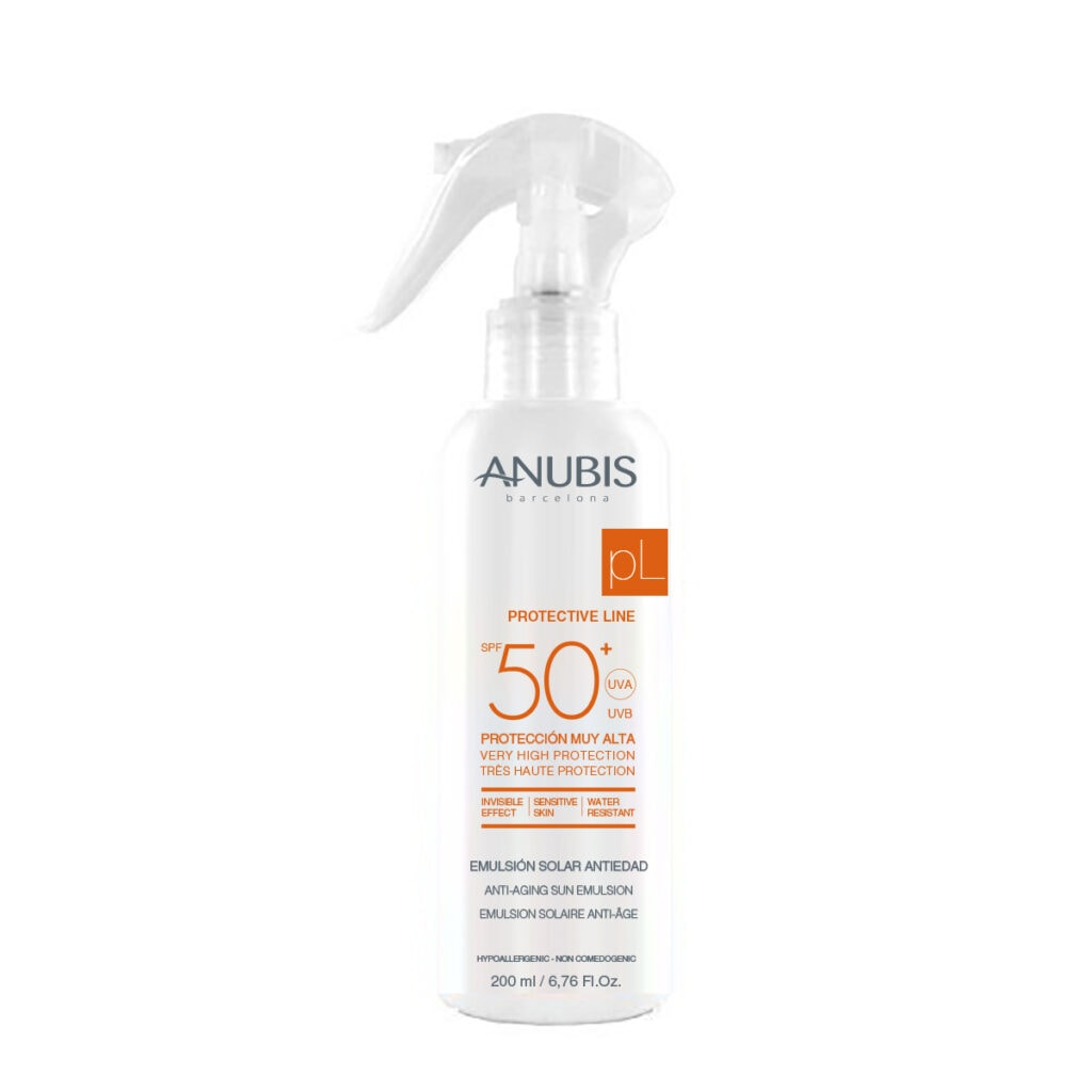 Sun Emulsion Spray SPF 50+ 200 ml / Солнцезащитный спрей для лица и тела «AQUA» SPF 50+ 200ml